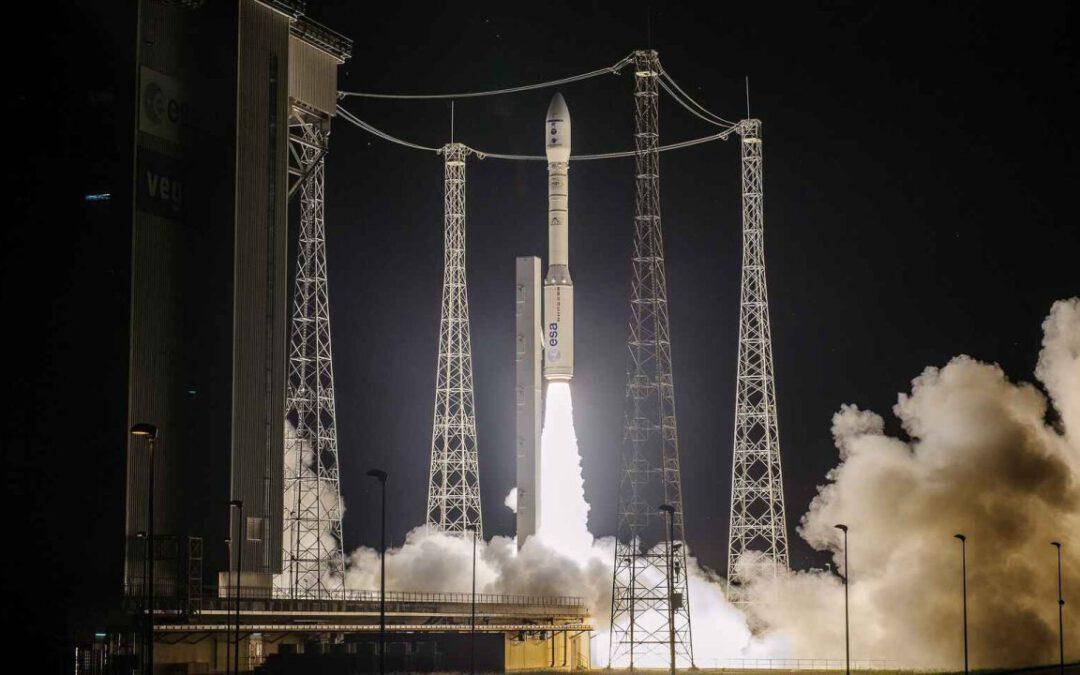 El coet Vega europeu pateix un gran fracàs en el llançament i perd un satèl·lit espanyol i un altre francès